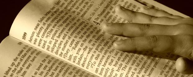 Referência: Romanos 1.20 INTRODUÇÃO 1. A questão da existência de Deus a) Os ateístas – Negam que Deus existe; b) Os materialistas – Acham que a matéria inerte e impessoal […]