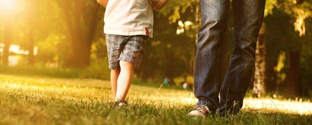 A paternidade é uma das missões mais nobres e mais árduas do mundo. A maioria dos pais, sobretudo, aqueles que são padrão de honradez para os filhos, vivem longe dos […]
