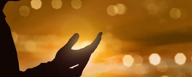 """""""E tudo quanto pedirdes em meu nome, isso farei, a fim de que o Pai seja glorificado no Filho"""" (Jo 14.13). Jesus estava no Cenáculo com seus discípulos. Passava-lhes suas […]"""